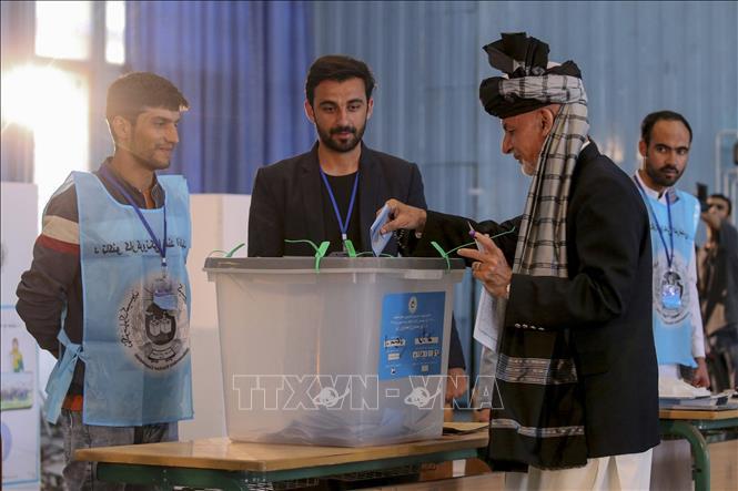 Người dân Afghanistan bắt đầu bầu cử tổng thống mới