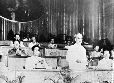 Các nhiệm vụ chiến lược của cách mạng Việt Nam nêu trong Đại hội III của Đảng