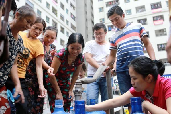 Hà Nội: Nhiều khu vực mất nước do sự cố nước sông Đà