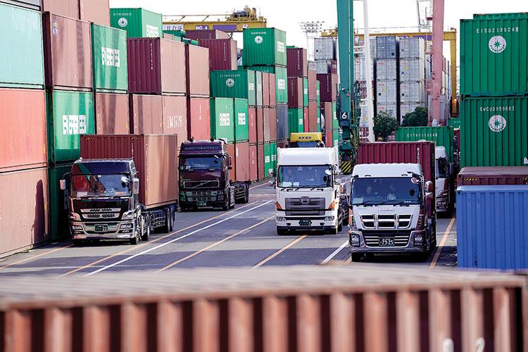 Xuất khẩu của Nhật Bản giảm 10 tháng liên tiếp