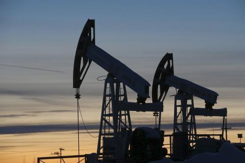Giá dầu thế giới sụt giảm phiên giao dịch đầu tuần