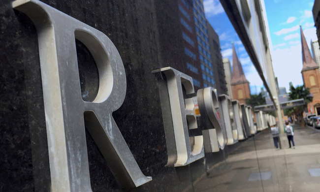Ngân hàng Trung ương Australia hạ lãi suất thấp kỷ lục
