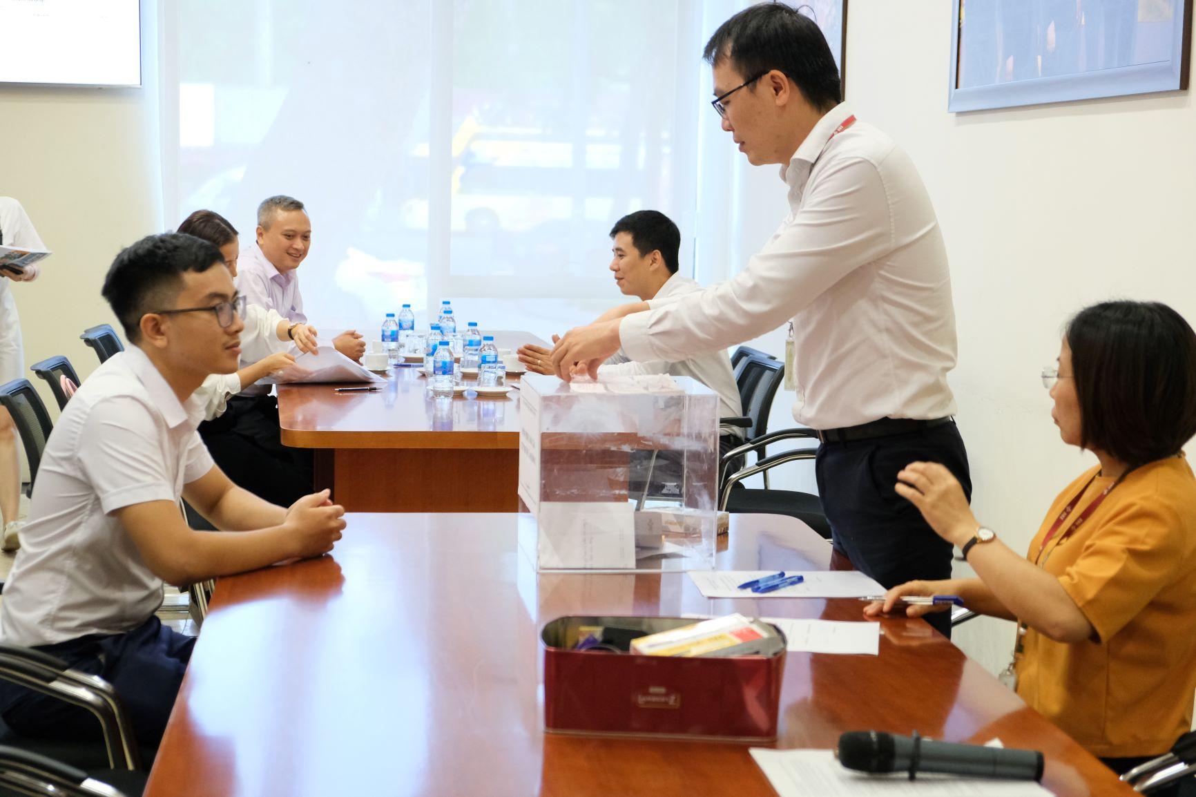 Bán hết hơn 2,4 triệu cổ phần CTCP Dược Lâm Đồng do SCIC chào bán