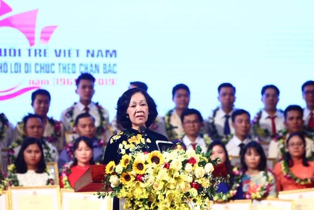 Xây dựng niềm tự hào về trách nhiệm phục vụ nhân dân