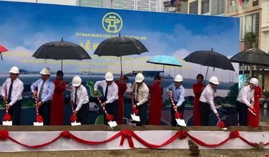 Khởi công xây dựng cầu vượt nút giao Nguyễn Văn Huyên - Hoàng Quốc Việt