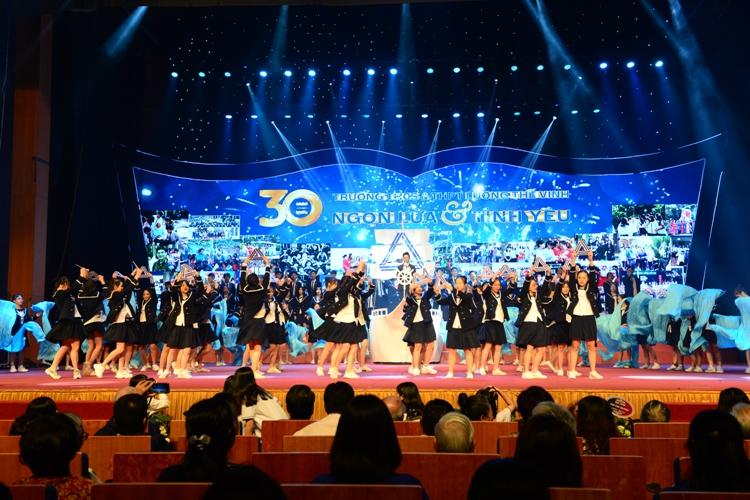 Trường Lương Thế Vinh (Hà Nội) kỷ niệm 30 năm thành lập