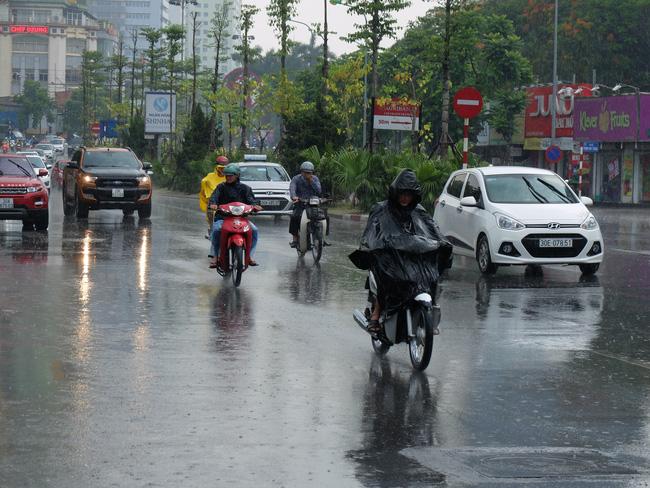 Từ Nghệ An đến Khánh Hòa tiếp tục có mưa to và dông