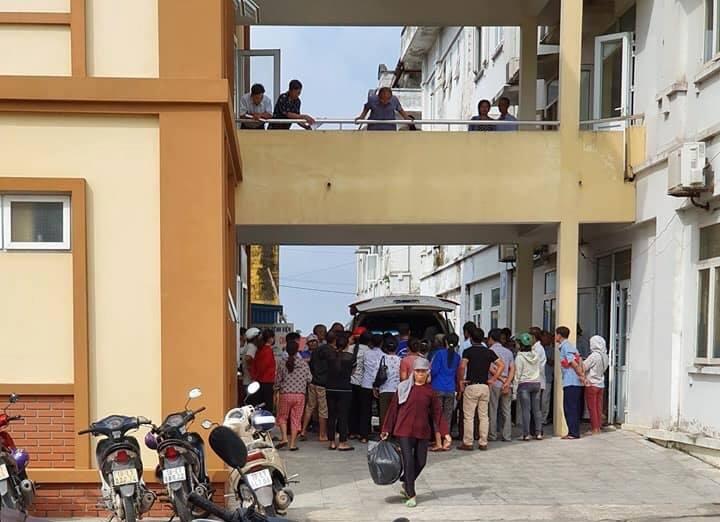 Nhiều công nhân Công ty Golden Victory Việt Nam phải đi cấp cứu