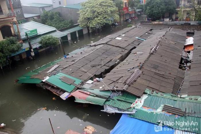 Nghệ An: 5.250 căn nhà bị ngập, 1 người chết do mưa lụt