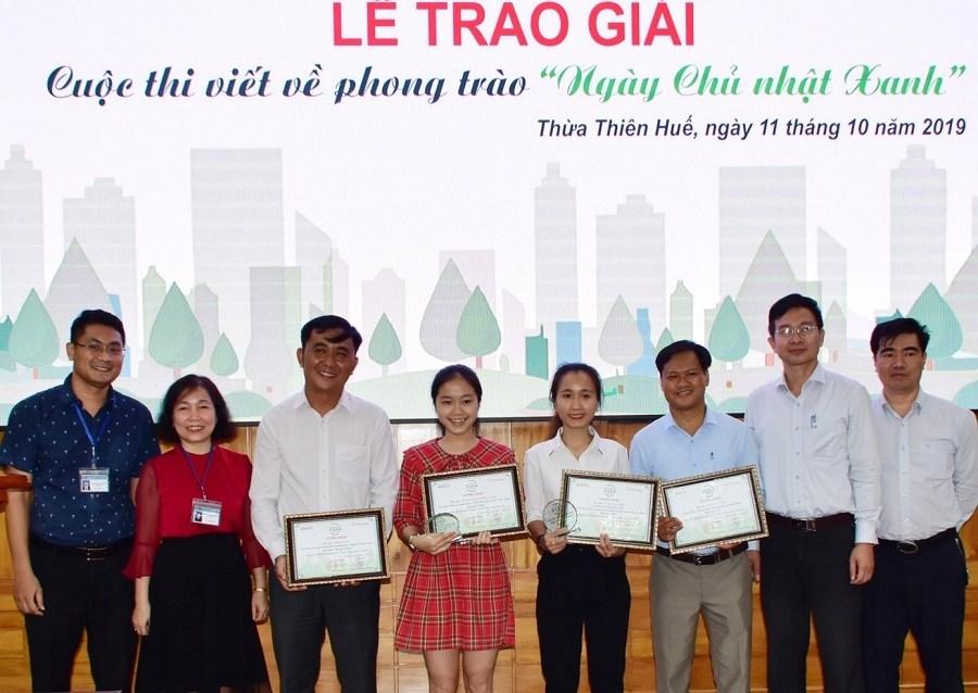"""Thừa Thiên Huế: Trao giải cuộc thi viết về phong trào """"Ngày Chủ nhật Xanh"""""""