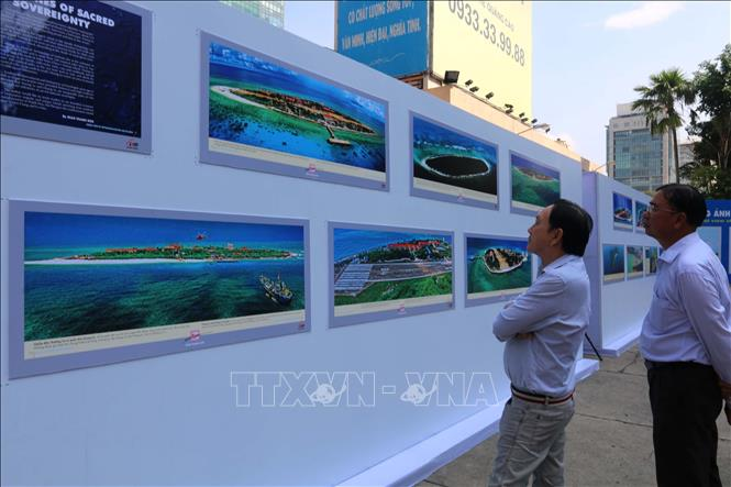 Chủ quyền biển đảo Việt Nam qua ống kính nhiếp ảnh gia Giản Thanh Sơn