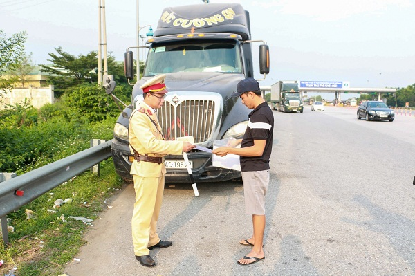 Tổng kiểm soát phương tiện lưu thông trên các tuyến cao tốc