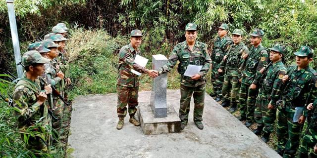 Tuần tra song phương bảo vệ đường biên giới Việt Nam - Lào