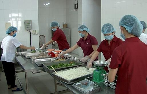 Chú trọng vai trò dinh dưỡng trong điều trị bệnh