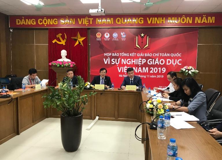 """Trao  44 giải """"Vì sự nghiệp Giáo dục Việt Nam"""""""