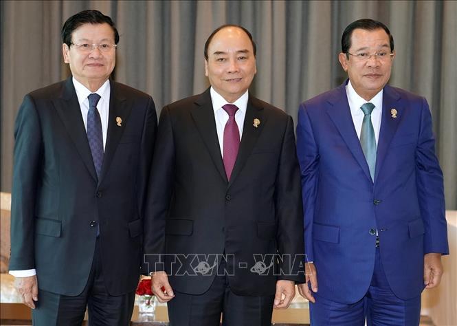 Nhiều hoạt động tiếp xúc bên lề của Thủ tướng tại Hội nghị cấp cao ASEAN 35   🎥
