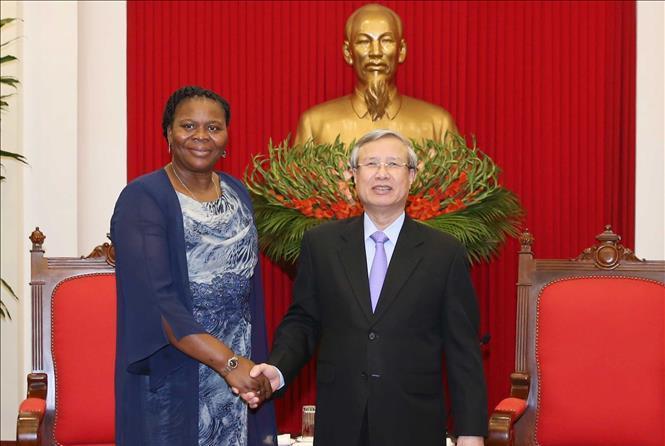 Việt Nam luôn coi trọng phát triển quan hệ với Mô-dăm-bích