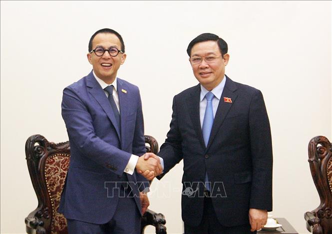 Phó Thủ tướng đề nghị FWD tài trợ cho các dự án khởi nghiệp, đổi mới sáng tạo
