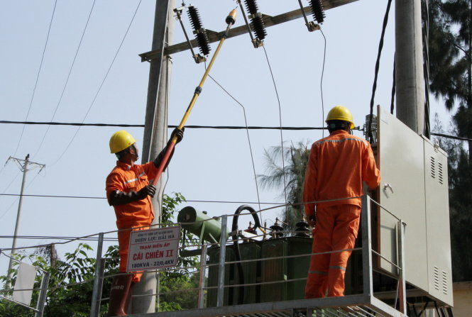 Quang Ninh connects last island commune with national electricity grid