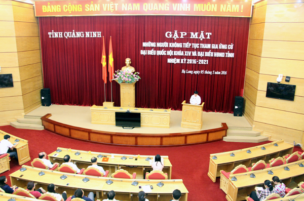 Quang Ninh province meets candidates dropping out of election