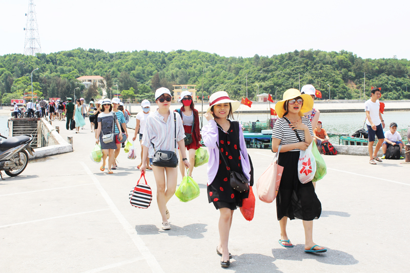 Foreign tourists permitted to freely visit Co To island
