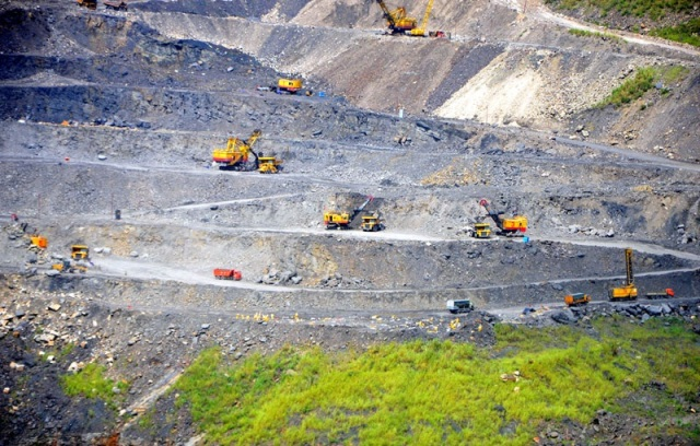 Quang Ninh tests tour to mining site