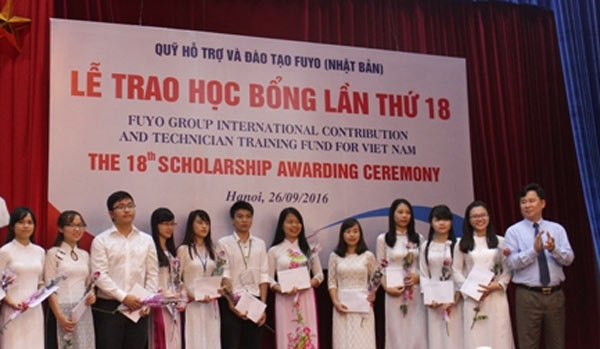Fuyo scholarships presented to 80 outstanding students