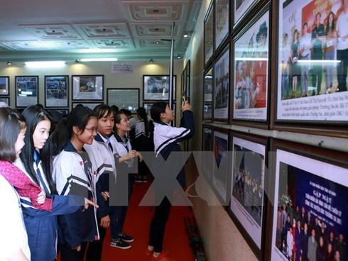 Hoang Sa, Truong Sa exhibition comes to Vinh Long
