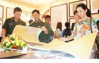 Exhibition on Hoang Sa and Truong Sa at Military Zone 9