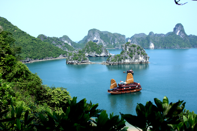Ha Long Bay named among Asia's most impressive UNESCO sites