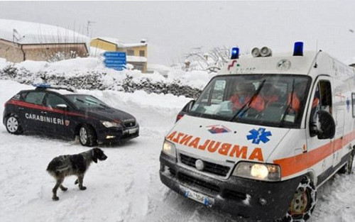 Avalanche hits Italian hotel, more than 30 die
