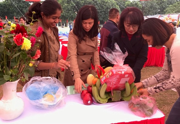 Cultural exchange for foreign students in Vietnam