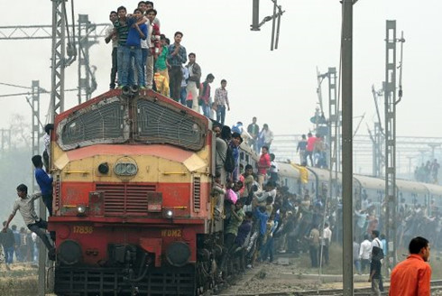 India train crash: At least 39 killed, 100 injured