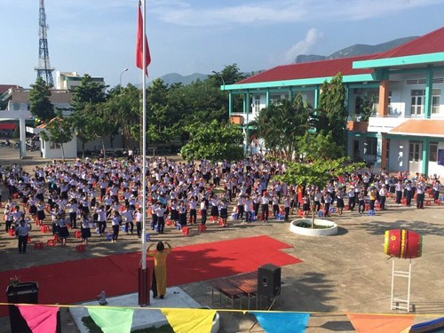 Con Dao island district struggles to improve education