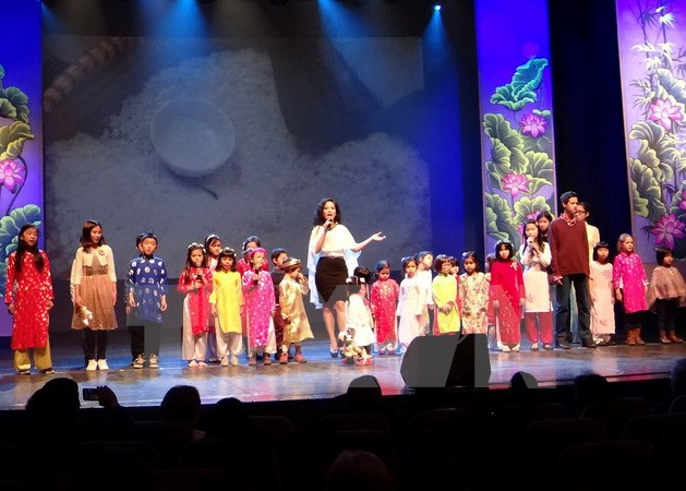 Vietnamese community in Belgium meets early in year of the rooster