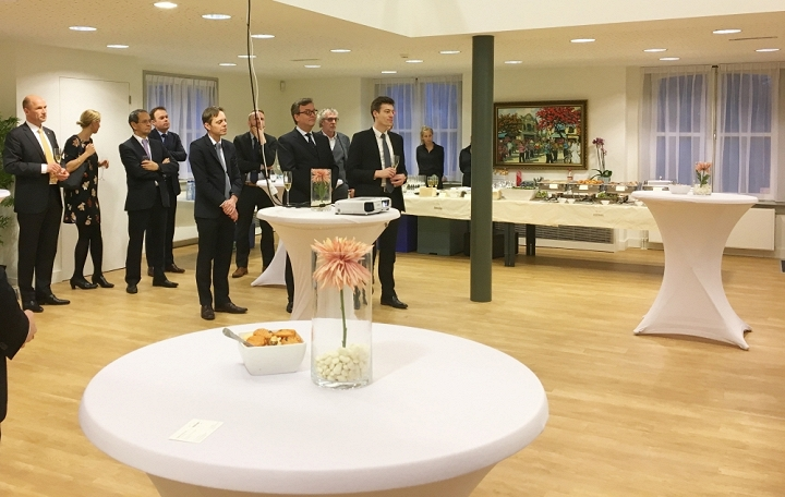 Vietnamese Embassy in Netherlands holds meeting in new year
