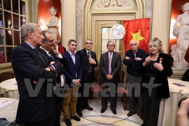 Honorary Consulate of Vietnam in Turin hold meeting in new year