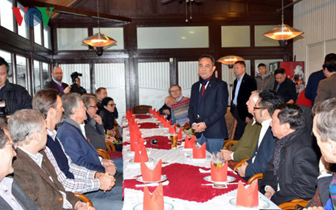 Wien-Stadtpark Rotary Club learns about Vietnamese people's integration in Germany