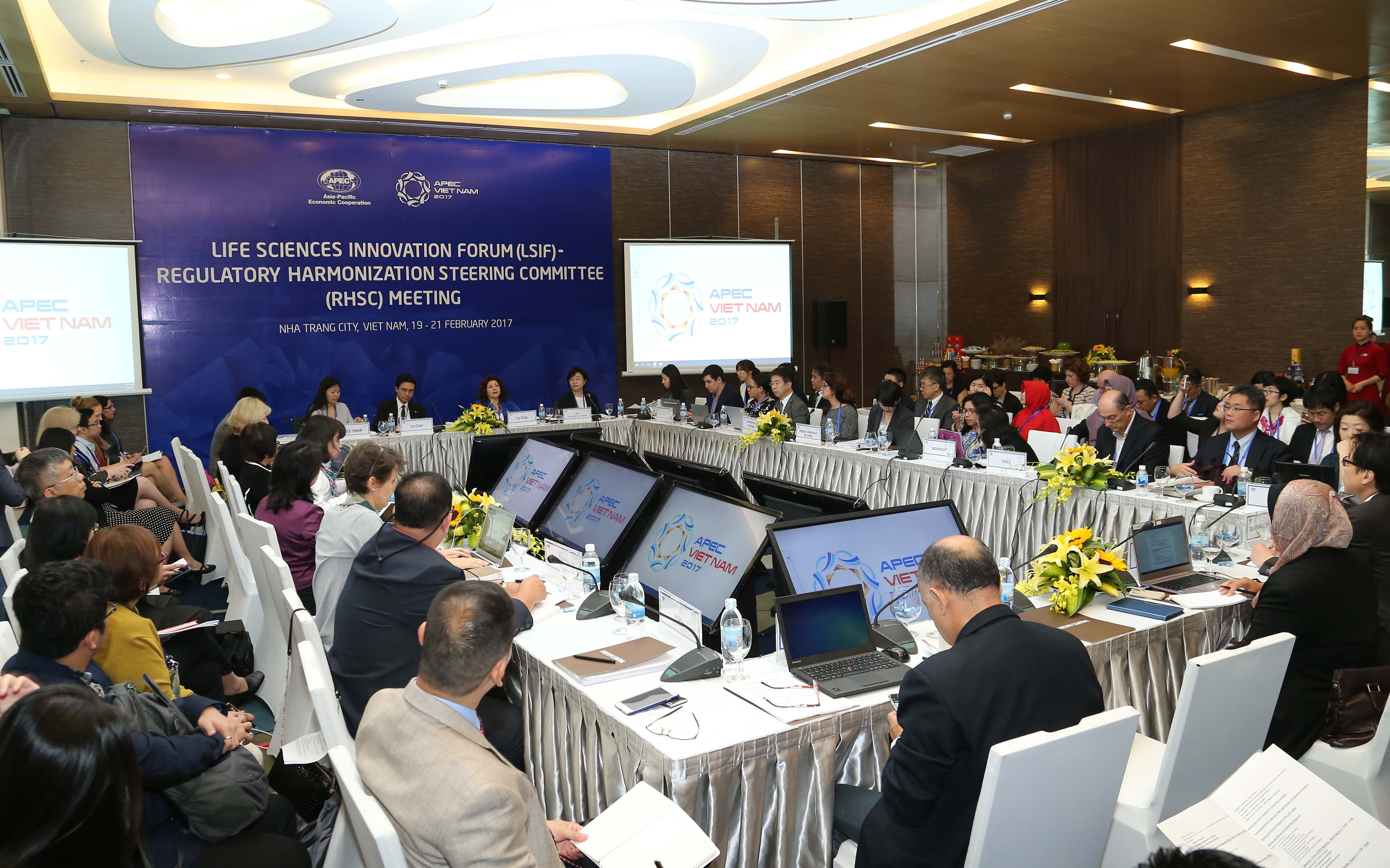 APEC 2017: Delegates review the implementation of multi-year programs