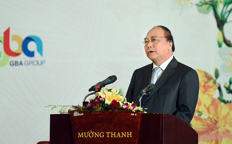 PM meets with investors in Nghe An province
