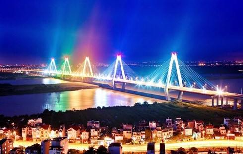Hanoi to turn Nhat Tan Bridge into art with new lighting