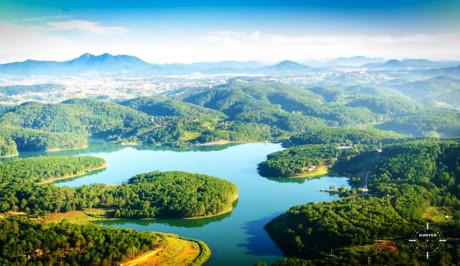 Tuyen Lam Lake recognized as national tourist area