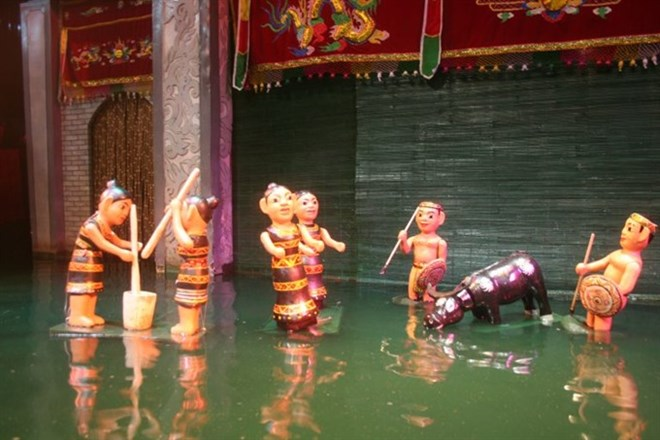 Water puppetry takes stage in Poland