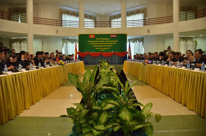 Vietnam, Cambodia agree to cement friendship, cooperation