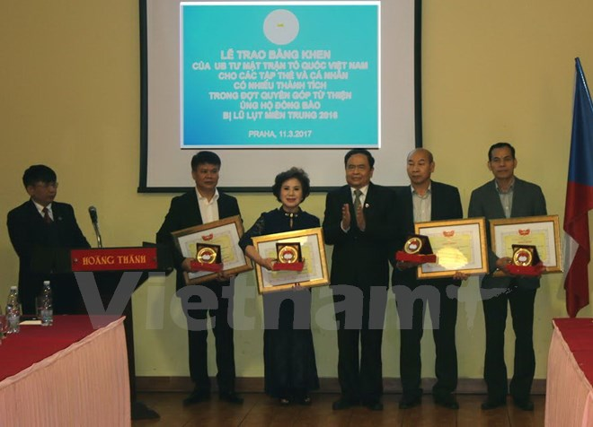 Vietnam Fatherland Front honours hearts for Central region in Czech Republic