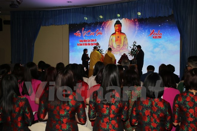 Vietnamese community in Czech Republic towards homeland's sea and islands