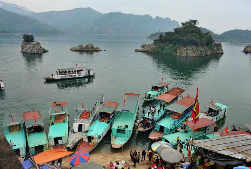 Solutions to develop waterway tourism in Northwestern region