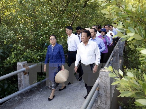 Lao parliament leader concludes official visit to Vietnam