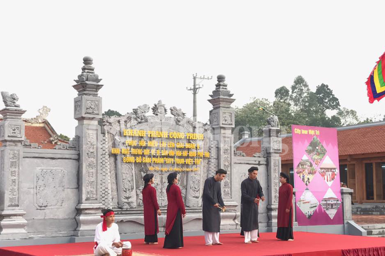 Xoan singing exhibition in Phu Tho province