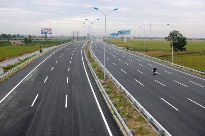 Building highway section from Ninh Binh to Nam Dinh